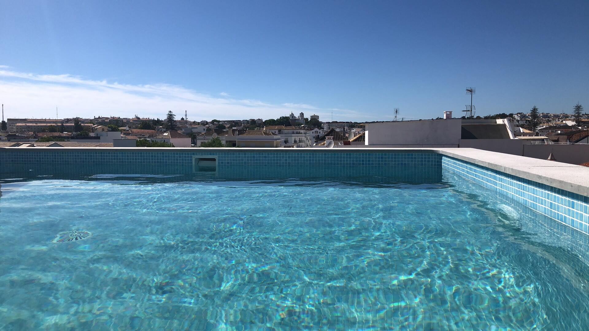 Swimming Pool - Rooftop